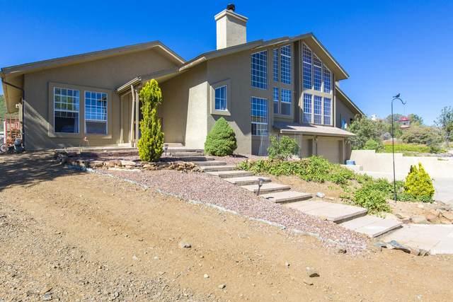 525 N Fitzmaurice Drive, Prescott, AZ 86303 (#1029950) :: Shelly Watne