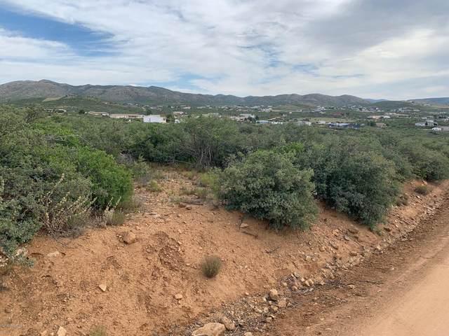 800 N Old Coach Trail, Dewey-Humboldt, AZ 86327 (#1030278) :: Shelly Watne