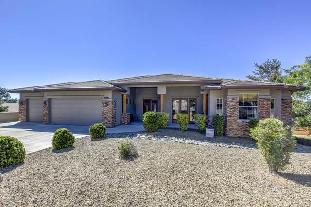 10641 E Straight Arrow Road, Dewey-Humboldt, AZ 86327 (#1030437) :: Shelly Watne