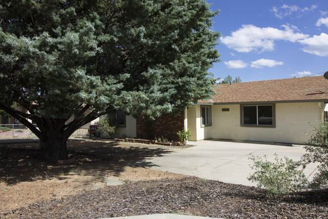 3379 N Navajo Drive, Prescott Valley, AZ 86314 (#1030962) :: Shelly Watne