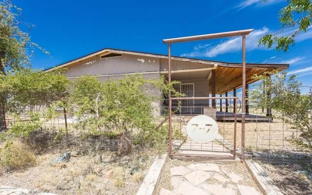 2190 S Old Black Canyon Highway, Dewey-Humboldt, AZ 86327 (#1030973) :: Shelly Watne