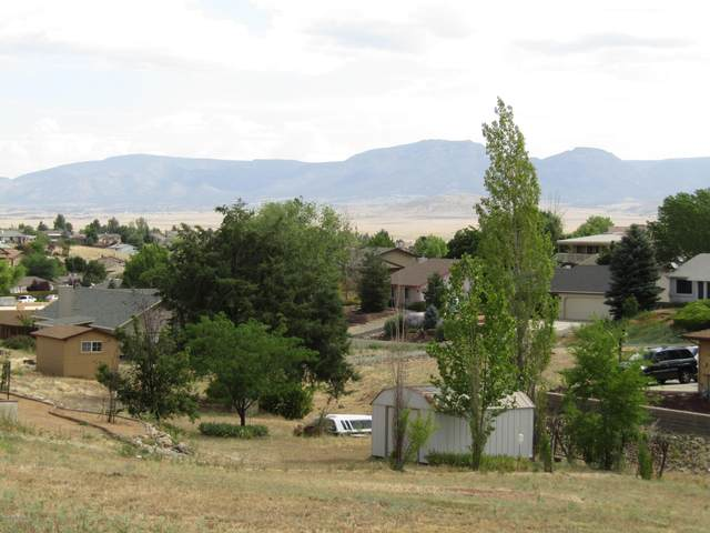 4121 N Bitterwell Drive, Prescott Valley, AZ 86314 (#1031008) :: Shelly Watne