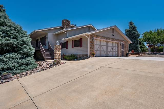 585 N Apache Drive, Dewey-Humboldt, AZ 86327 (#1031014) :: Shelly Watne