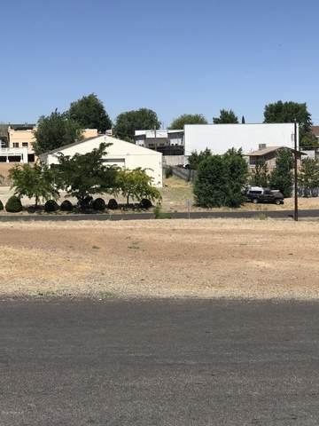 8380 Spouse Drive, Prescott Valley, AZ 86314 (#1031015) :: Shelly Watne