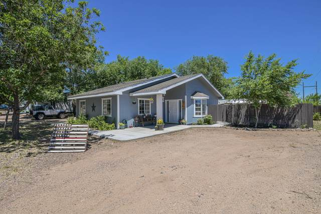 1990 Fox Road, Chino Valley, AZ 86323 (#1031130) :: Shelly Watne