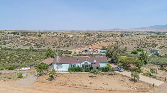 10480 E Powerline Road, Dewey-Humboldt, AZ 86327 (#1031795) :: Shelly Watne