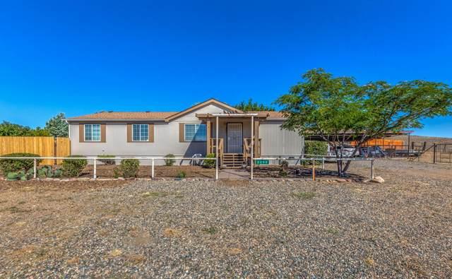 2290 S Old Black Canyon Highway, Dewey-Humboldt, AZ 86329 (MLS #1031910) :: Conway Real Estate