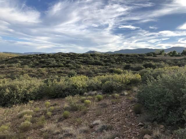 10487 E Rocky Hill Road, Dewey-Humboldt, AZ 86327 (#1031994) :: Shelly Watne