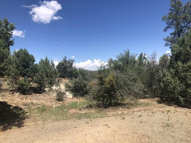 1860 Rustling Oaks Lane, Prescott, AZ 86303 (#1032793) :: Shelly Watne