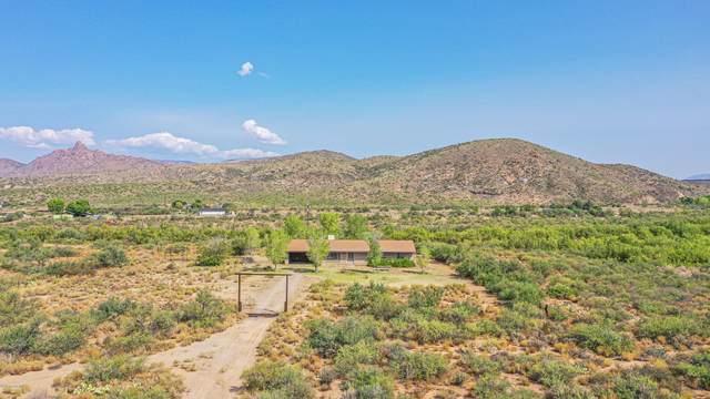 9425 Kirkland Valley Road, Kirkland, AZ 86338 (#1032879) :: Shelly Watne