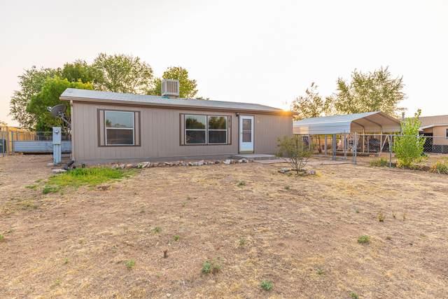 1815 Roadrunner Lane, Chino Valley, AZ 86323 (#1032961) :: Shelly Watne