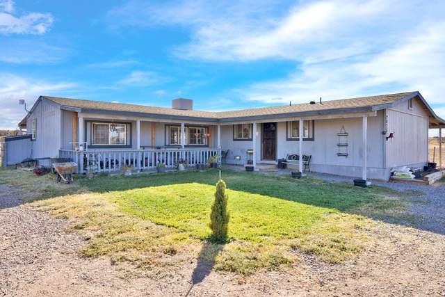 2825 W Bayberry Drive, Paulden, AZ 86334 (#1033478) :: Shelly Watne