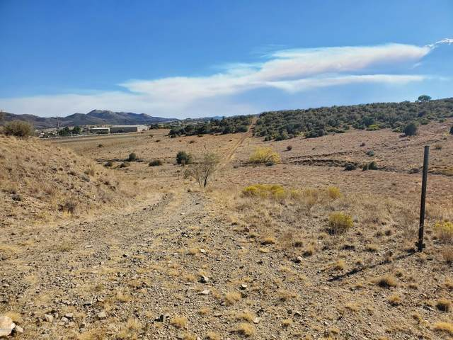 12769 E Orange Rock Road, Dewey-Humboldt, AZ 86327 (#1033638) :: Shelly Watne