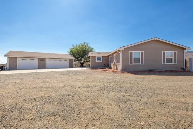765 S Windsong Way, Dewey-Humboldt, AZ 86327 (#1033673) :: Shelly Watne