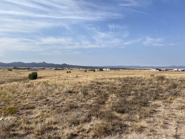 0 Milk Ranch Trl Lot J, Paulden, AZ 86334 (#1033755) :: Shelly Watne
