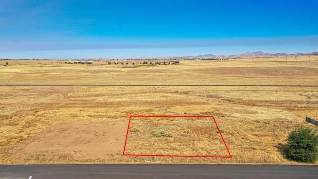 8668 E Laredo Drive, Prescott Valley, AZ 86314 (#1033821) :: Shelly Watne