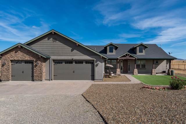 8675 N Buffalo Hill Court, Prescott Valley, AZ 86315 (#1033839) :: Shelly Watne