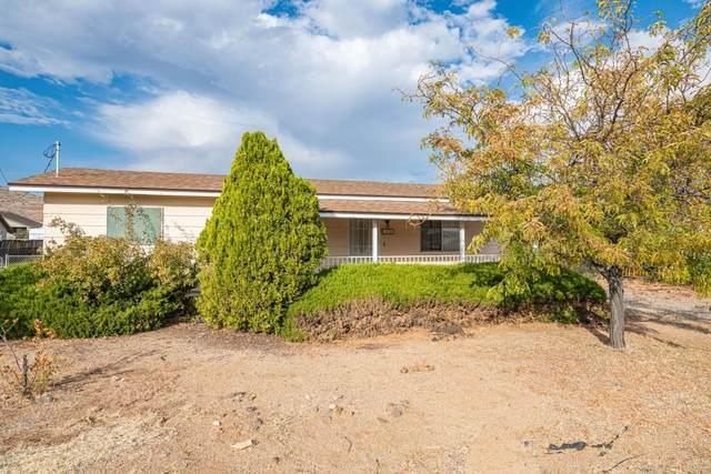 3624 N Valley View Drive, Prescott Valley, AZ 86314 (#1034077) :: Shelly Watne