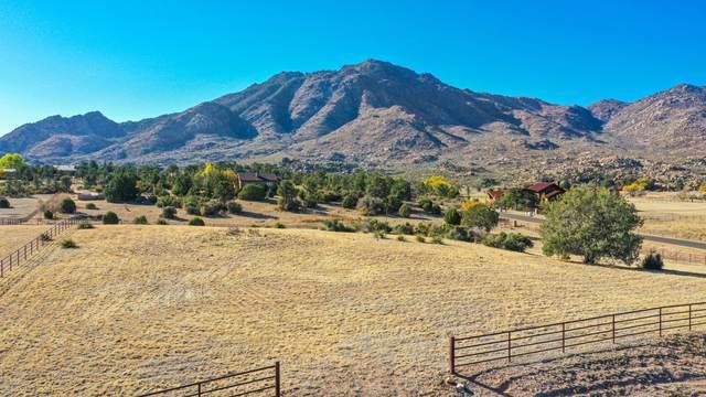 8725 N Callahan Road, Prescott, AZ 86305 (#1034227) :: Shelly Watne