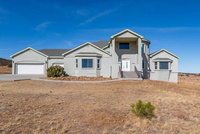 8970 N Prescott Ridge Road, Prescott Valley, AZ 86315 (#1034292) :: Shelly Watne