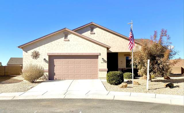 6084 Hanbury Drive, Prescott Valley, AZ 86314 (#1034380) :: Shelly Watne