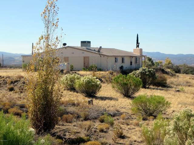 8165 W Claridge Lane, Wilhoit, AZ 86332 (#1034392) :: Shelly Watne