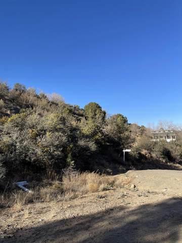 652 S Canyon Drive, Prescott, AZ 86303 (#1034572) :: Shelly Watne