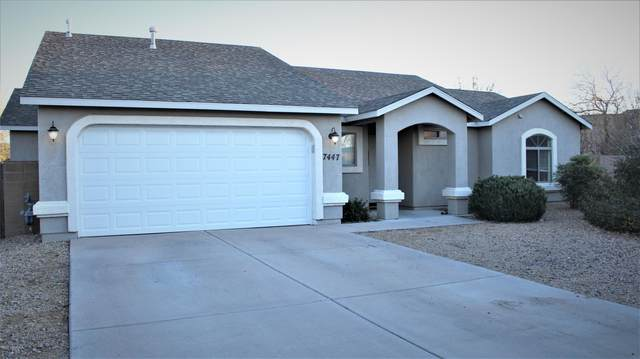 7447 N Viewscape Drive, Prescott Valley, AZ 86315 (MLS #1034701) :: Conway Real Estate