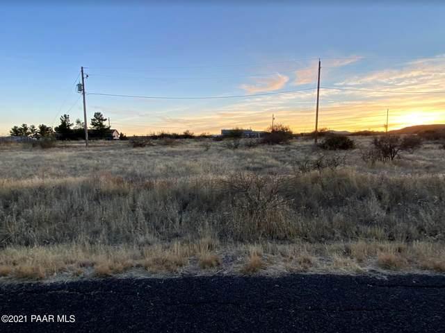 20275 E Sunset Lane, Mayer, AZ 86333 (#1035181) :: Shelly Watne