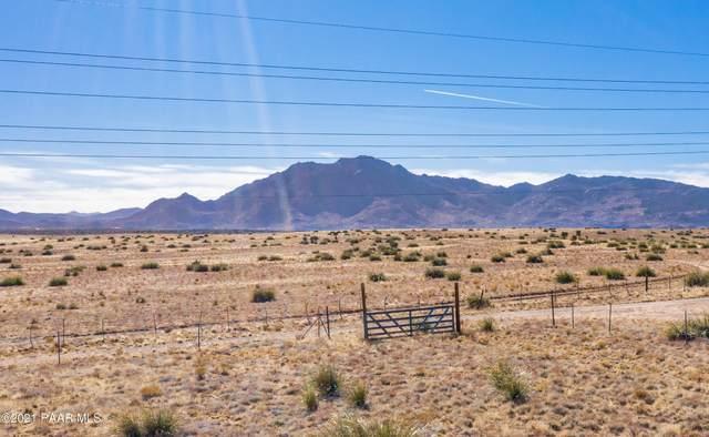 3260 W Russland Road, Chino Valley, AZ 86323 (#1035409) :: Shelly Watne