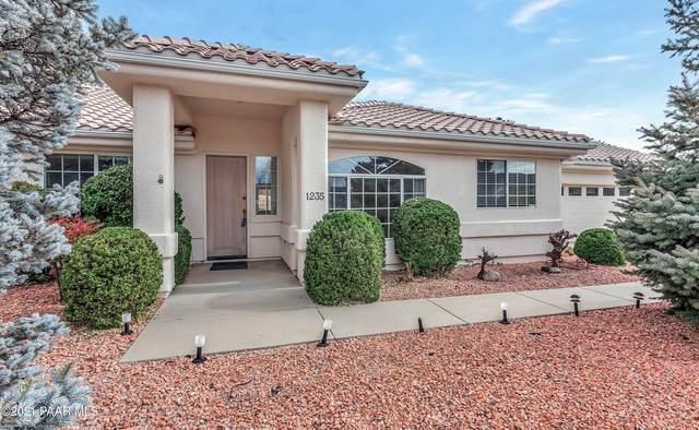 1235 N Oxbow Drive, Dewey-Humboldt, AZ 86327 (#1035467) :: Shelly Watne