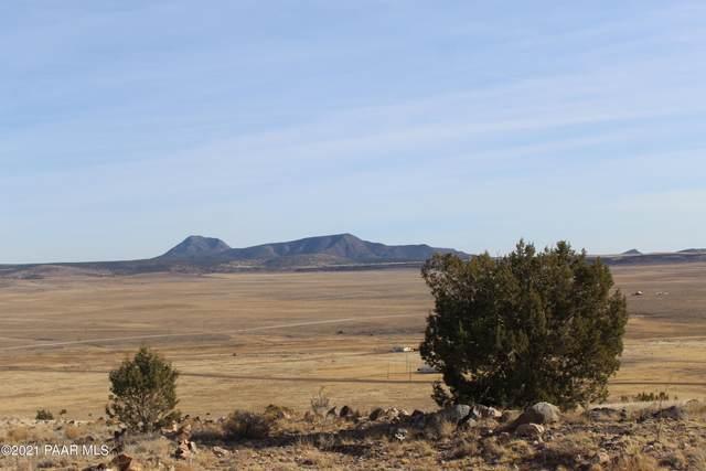 Lot 153 Sierra Verde Ranch, Seligman, AZ 86337 (#1035495) :: Shelly Watne