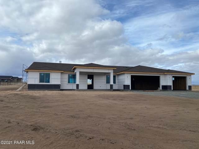 10430 N Dozer Drive, Prescott Valley, AZ 86315 (#1035571) :: Shelly Watne