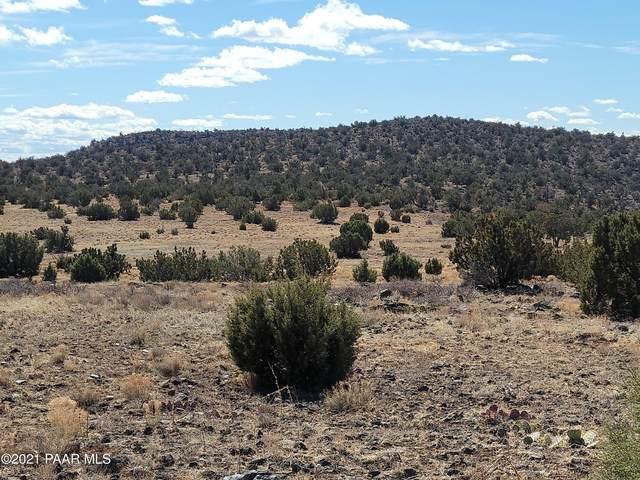 Lot 20,21, 23, 28, 30, & 31 Mile High Road, Ash Fork, AZ 86320 (#1036154) :: Shelly Watne