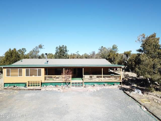 42313 N Walk About Trail, Seligman, AZ 86337 (#1036251) :: Prescott Premier Homes   Coldwell Banker Global Luxury