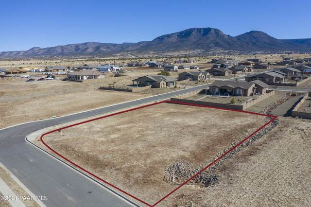 8825 N Roughrider Road, Prescott Valley, AZ 86315 (#1036284) :: Shelly Watne