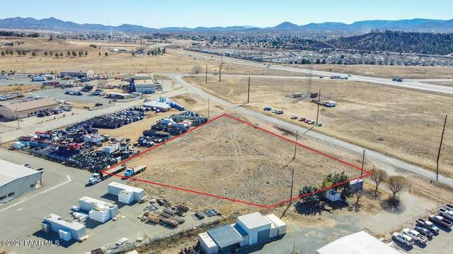 11630 E Santa Fe Loop, Prescott Valley, AZ 86327 (#1036300) :: Shelly Watne