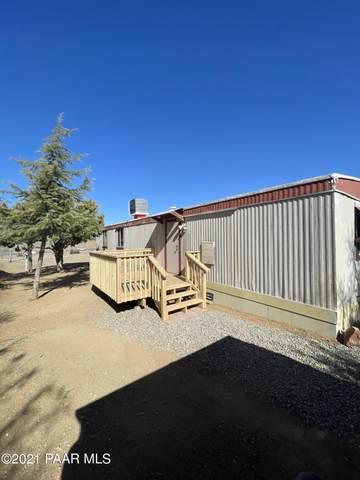 2610 Hill Street, Dewey-Humboldt, AZ 86329 (#1036325) :: Shelly Watne