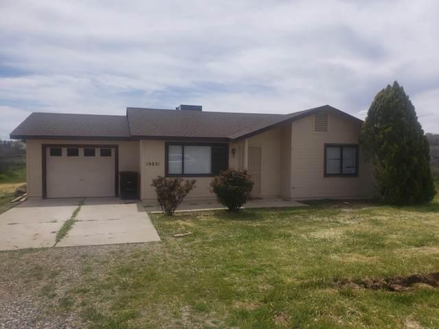 19831 E Prickly Pear Drive, Mayer, AZ 86333 (#1036379) :: Prescott Premier Homes | Coldwell Banker Global Luxury