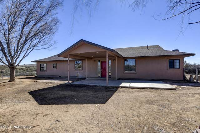 17500 E Round Mountain Road, Dewey-Humboldt, AZ 86327 (#1036929) :: Shelly Watne