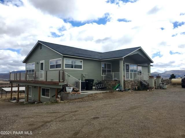 18097 S Peeples Valley Road, Kirkland, AZ 86332 (#1037216) :: Prescott Premier Homes   Coldwell Banker Global Luxury