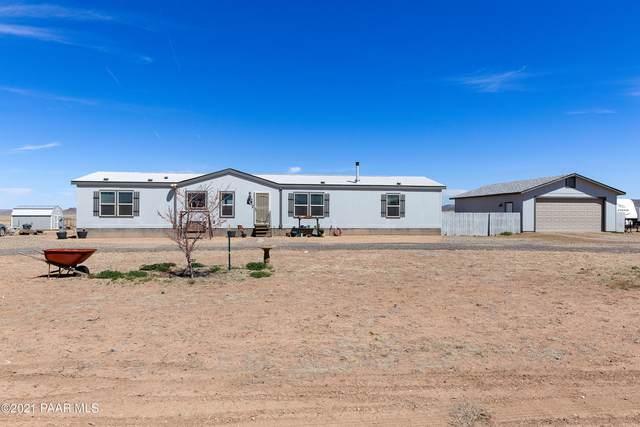 7320 E Racers Way, Prescott Valley, AZ 86315 (#1037353) :: Shelly Watne