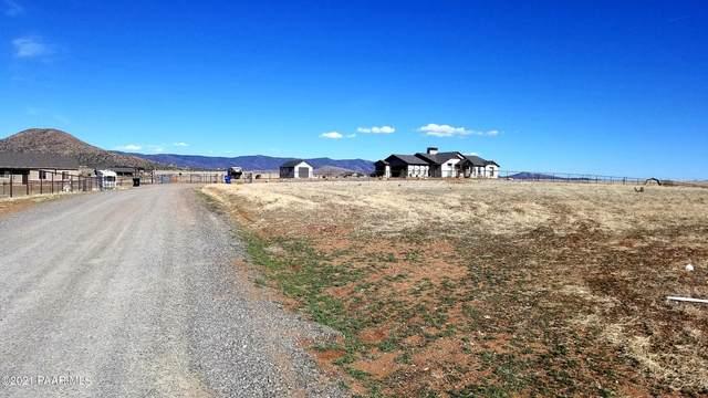 9685 E Blazing Star Circle, Prescott Valley, AZ 86315 (#1037514) :: Shelly Watne