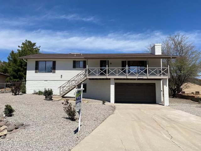 10898 Buckboard Trail, Dewey-Humboldt, AZ 86327 (#1037520) :: Shelly Watne