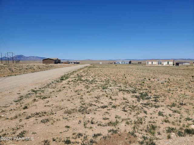 00 E Falcons Nest Way, Prescott Valley, AZ 86315 (MLS #1038366) :: Conway Real Estate