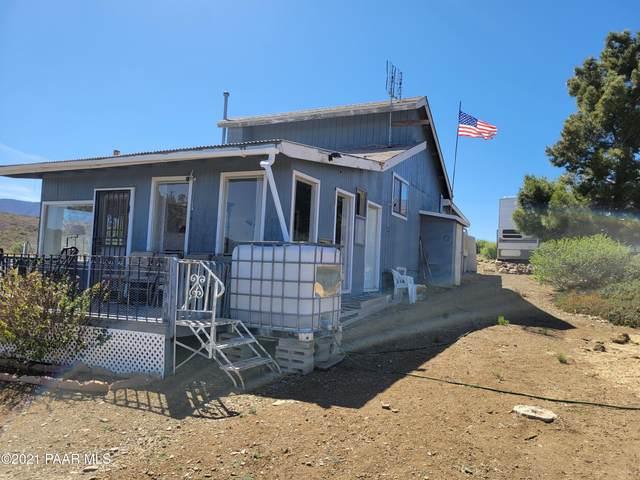 10440 E Prescott Dells Ranch Road, Dewey-Humboldt, AZ 86327 (#1038402) :: Shelly Watne