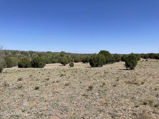 8701 N Calle Diamante, Skull Valley, AZ 86338 (#1038614) :: Prescott Premier Homes | Coldwell Banker Global Luxury