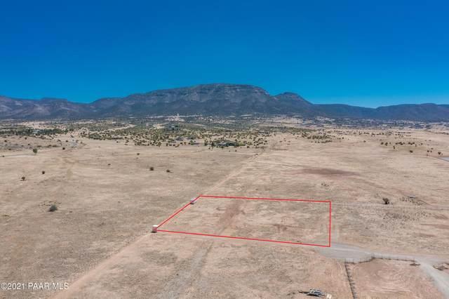 9965 N Loper, Prescott Valley, AZ 86315 (#1038848) :: Prescott Premier Homes   Coldwell Banker Global Luxury