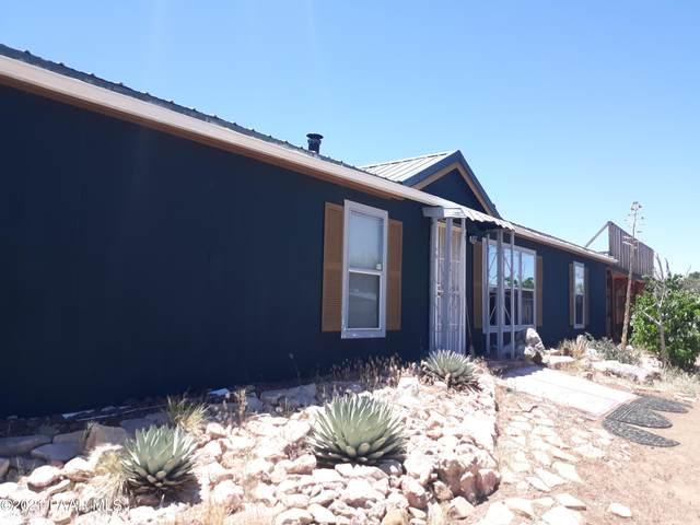 8055 W Rolling Ridge Road, Ash Fork, AZ 86320 (#1039420) :: Shelly Watne