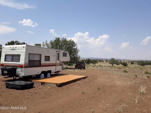 Lot 24 Juniperwood Ranch, Ash Fork, AZ 86320 (#1039598) :: Shelly Watne